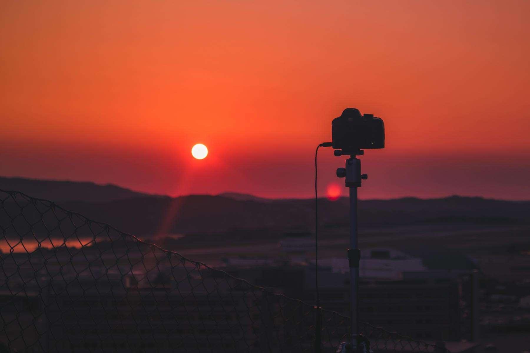 Sonnenuntergang mit einer Kamera
